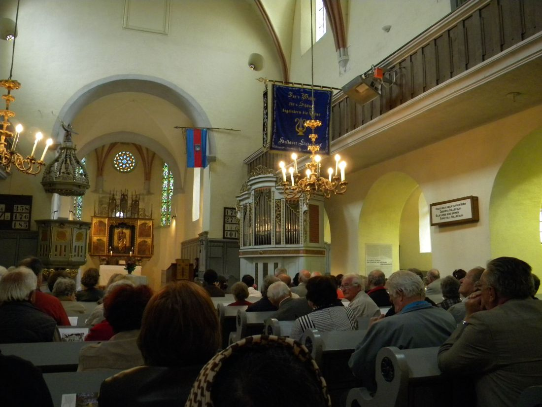 12marti in biserica