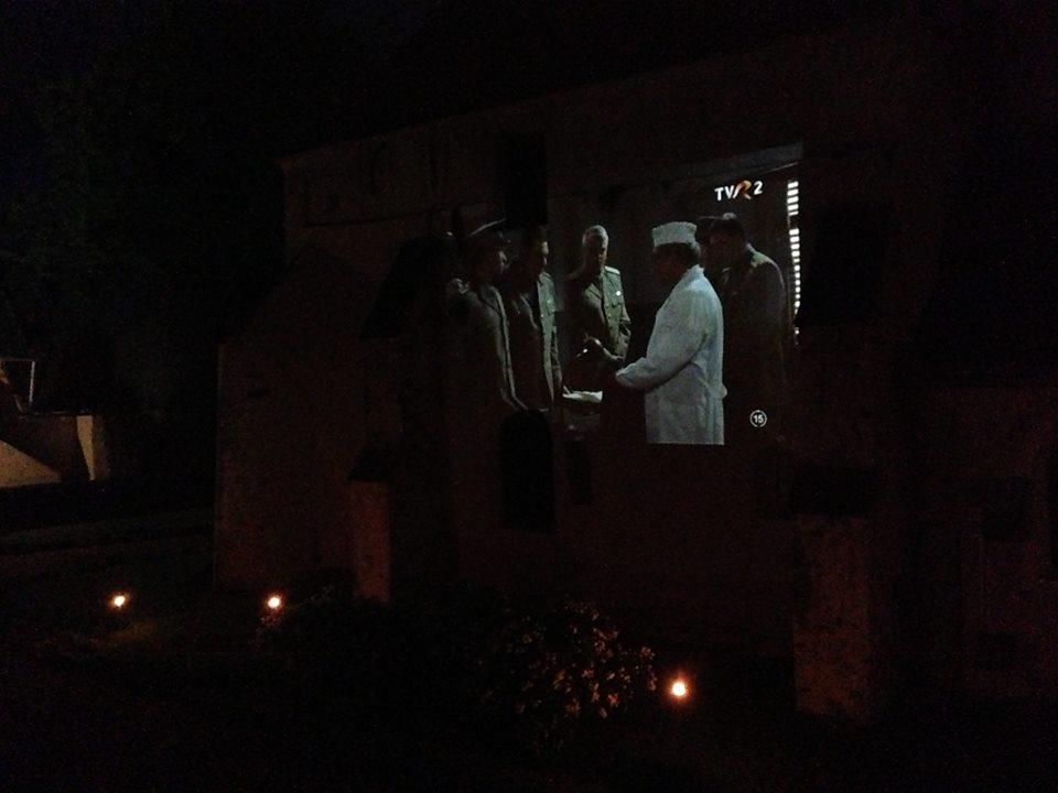 Proiectie de film la biserica1