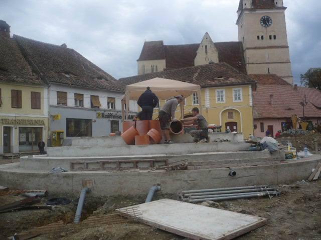 Pendulu hujian under construction