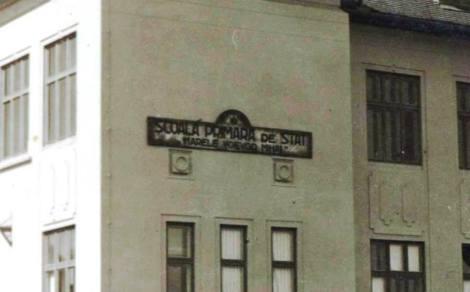 Scoala1 sau Marele Voevod Mihai la 1942 zoom
